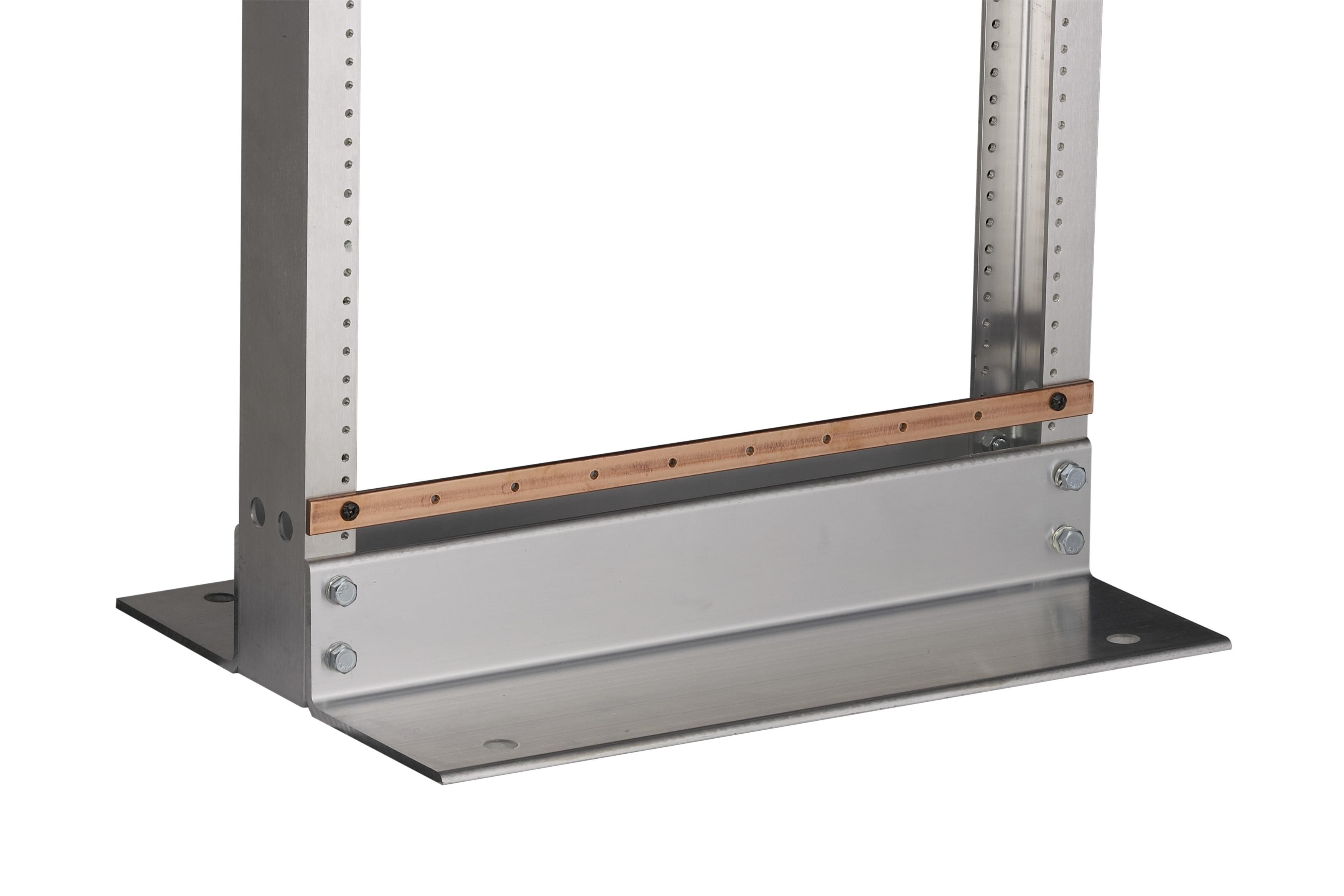 Grounding Bar For 19 Rack 02H X 075W 202L I Black Box
