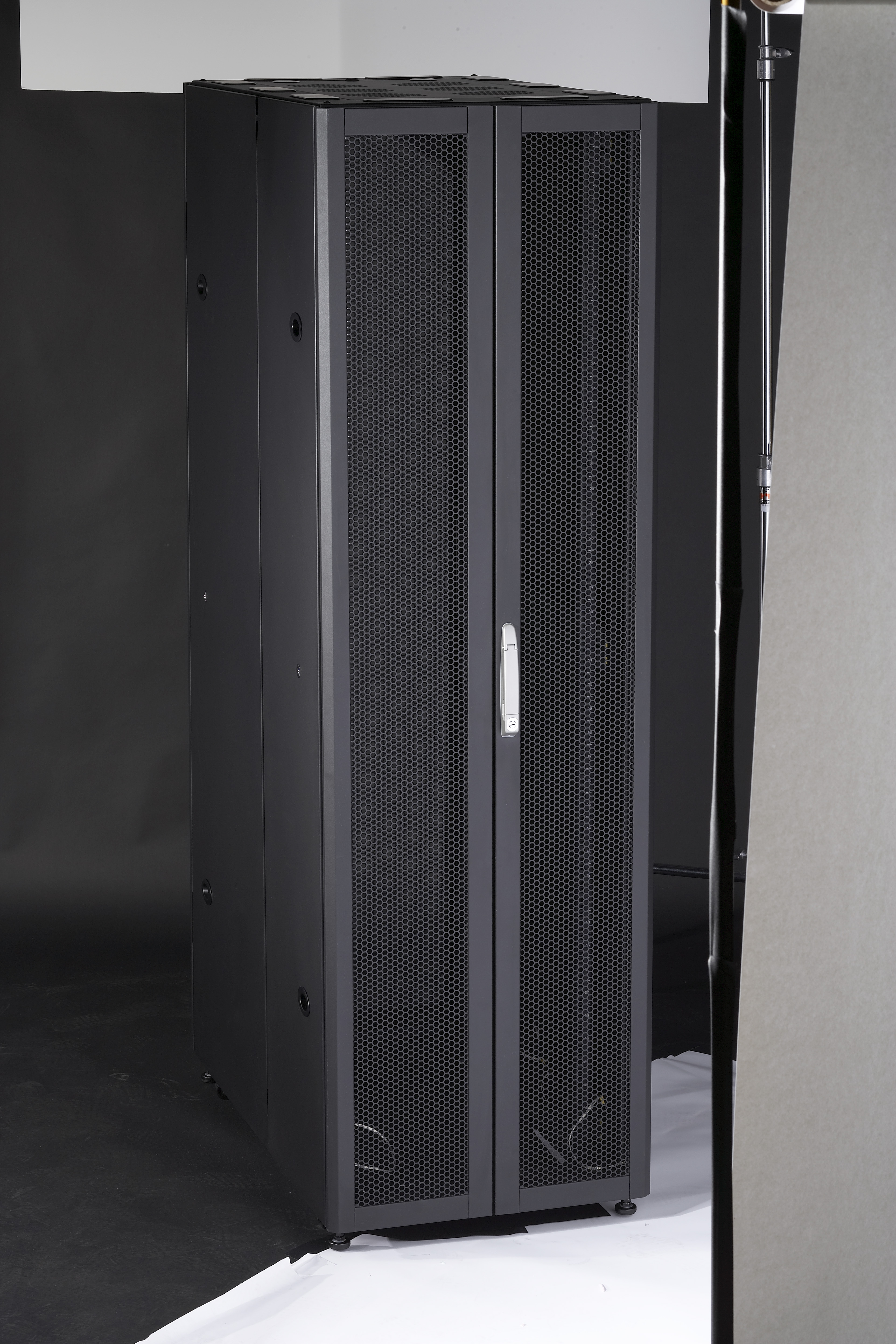 techsupportgore cabinet rack aaagghhhh remove wh qrpnzuc a comments server would r you this like why